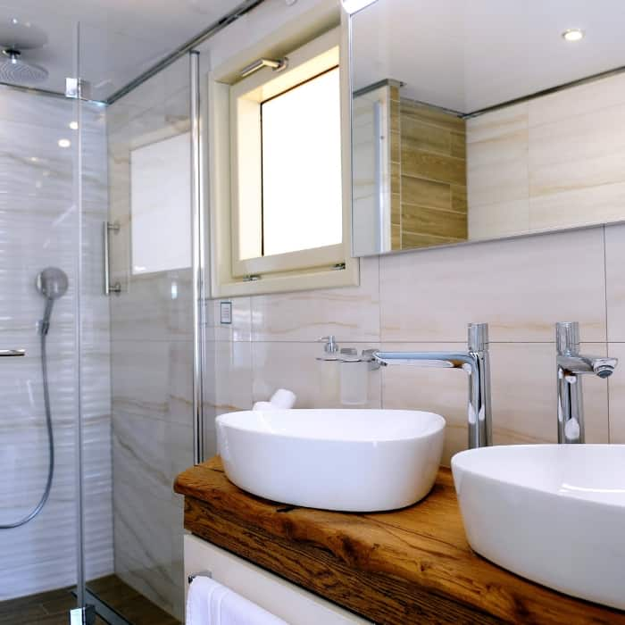 MV Riva, bathroom