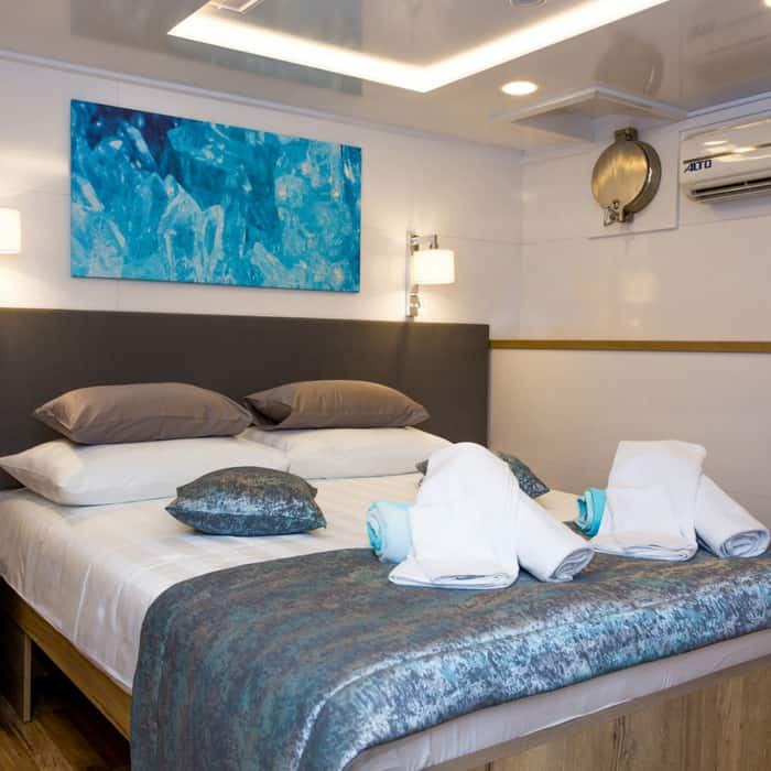 MV Aquamarin, double cabin