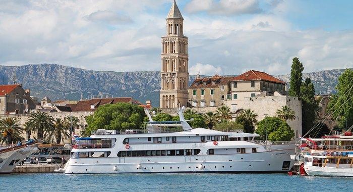 MV Fantazija cruise