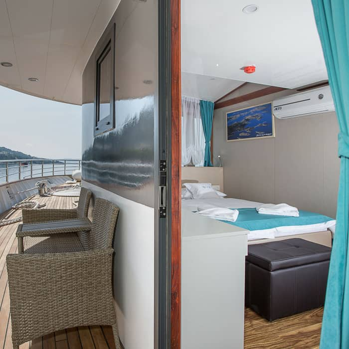 MV My Way, cabin and side deck
