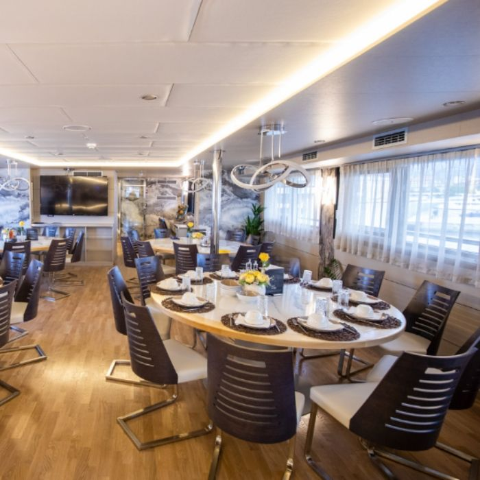 MS Freedom, dining area