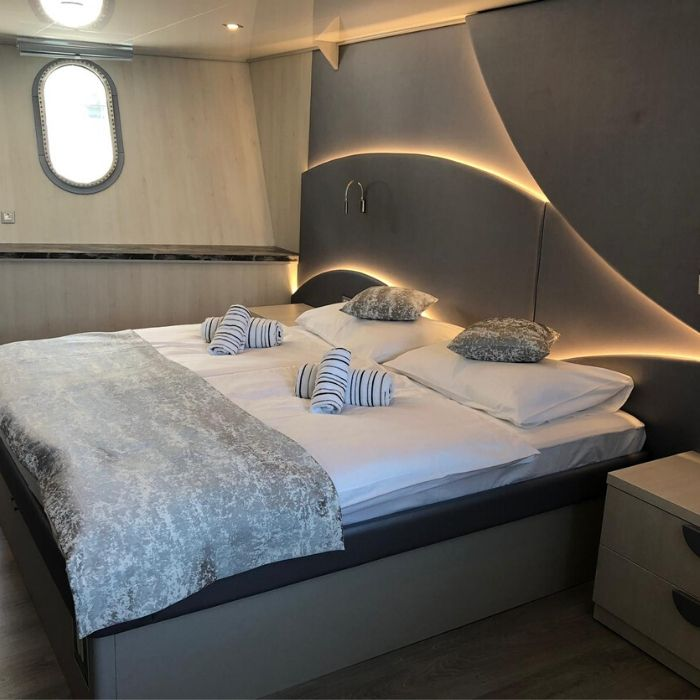 MS Zeus, double cabin