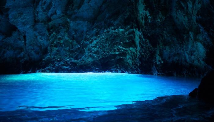Blue Cave, Bisevo